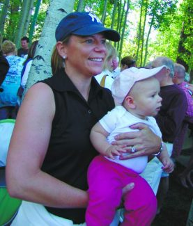 Annika Sorenstam and her daughter, Ava McGee, in 2010. Sorenstam is the betting favorite to win next week's American Century Championship at Edgeewood.