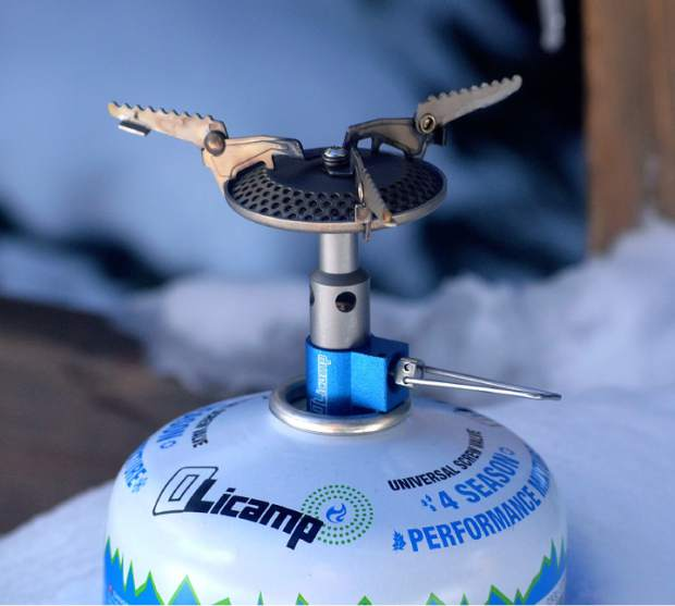 The Olicamp Kinetic Ultra stove with a 8.1-ounce canister of four-season Olicamp fuel.