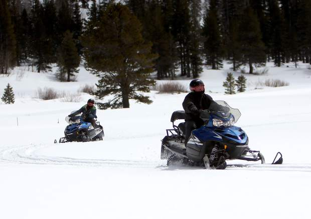 south-lake-tahoe-snowmobile-0tours