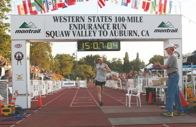 233ff235678d8 Sylas Wright   Tribune News ServiceGeoff Roes crosses the Western States  Endurance Run finish line in a new record time on Saturday in Auburn.