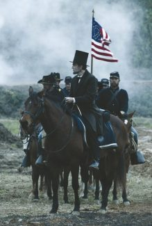 """Actor Daniel Day-Lewis portrays U.S. president Abraham Lincoln in a scene from the movie """"Lincoln."""" The Catholic News Service classification is A-III -- adults. The Motion Picture Association of America rating is PG-13 -- parents strongly cautioned. Some material may be inappropriate for children under 13. (CNS/DreamWorks) (Nov. 9, 2012) See MOVIE REVIEW Nov. 9, 2012."""