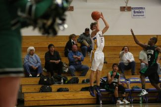 Brandon Cramer lines up his shot during the first quarter of South Tahoe's quarterfinal win against Fallon on Tuesday.