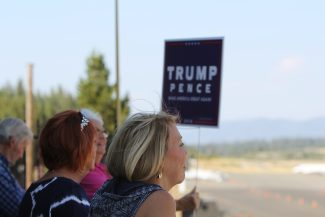 Trump hosts fundraising dinner at Harrah's amidst some protesters