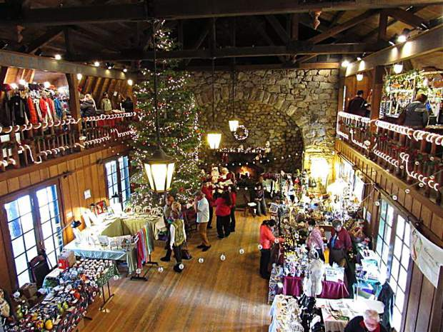 Christmas In Lake Tahoe.Valhalla Tahoe S Annual Holiday Faire Returns To South Lake