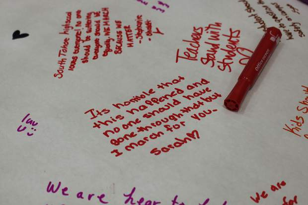South Tahoe High School students wrote notes for the Parkland shooting survivors following the walkout.