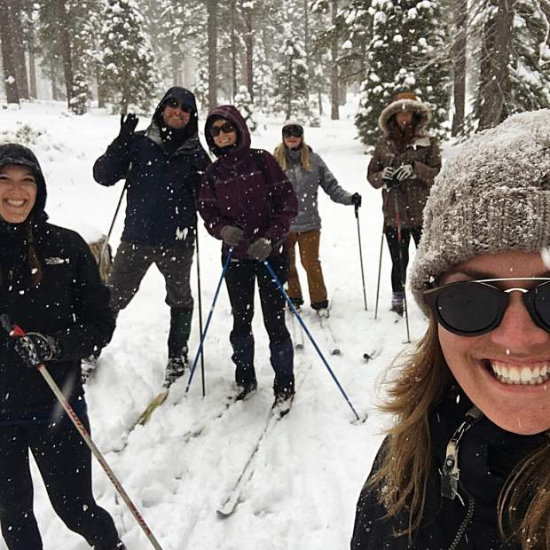 We escaped from the puzzle room to go skiing!