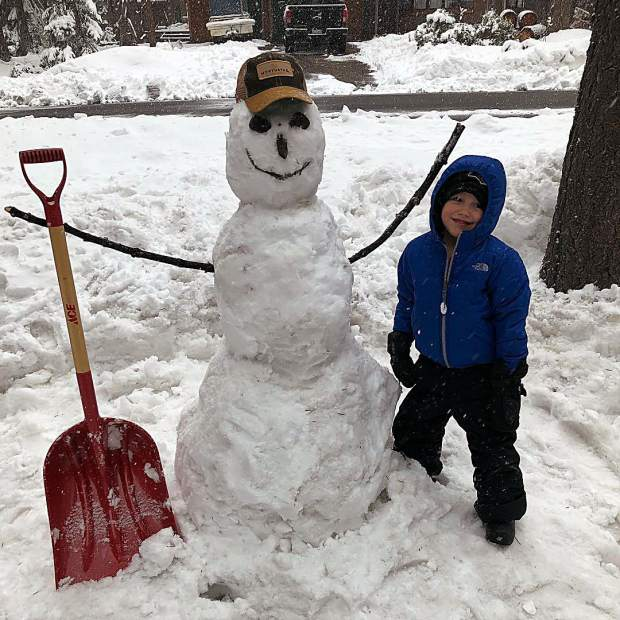 Most people don't know it... but I'm also a professional snowman builder.