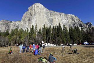 Popular national parks to raise fees to $35, not $70