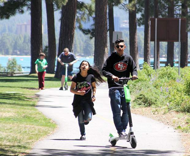 Lime Electric Scooters Pose Challenges For South Lake Tahoe Law Enforcement Tahoedailytribune Com