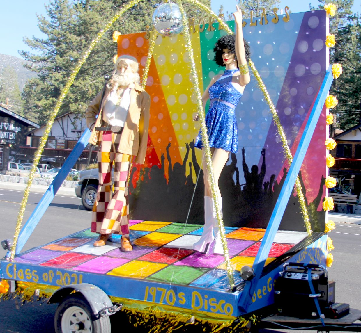 The South Tahoe sophomore float.