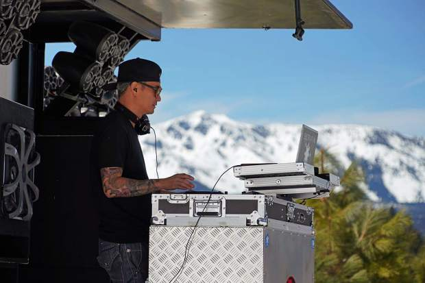 Sound check with @djserafin yesterday at @skiheavenly POND SKIM