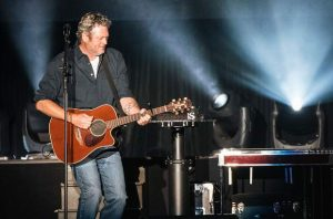 PHOTOS: Blake Shelton performs on Lake Tahoe South Shore