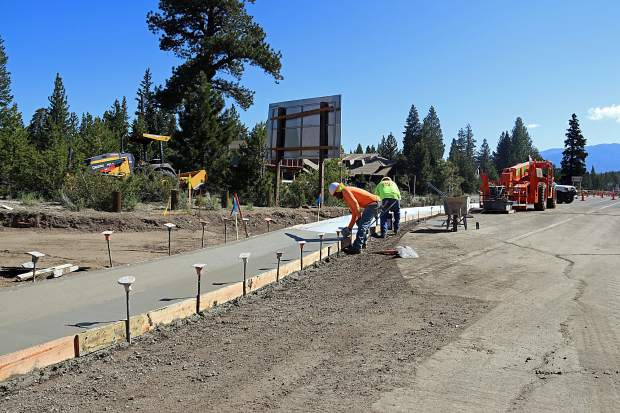 Construction on Meyers roundabout moves to nighttime