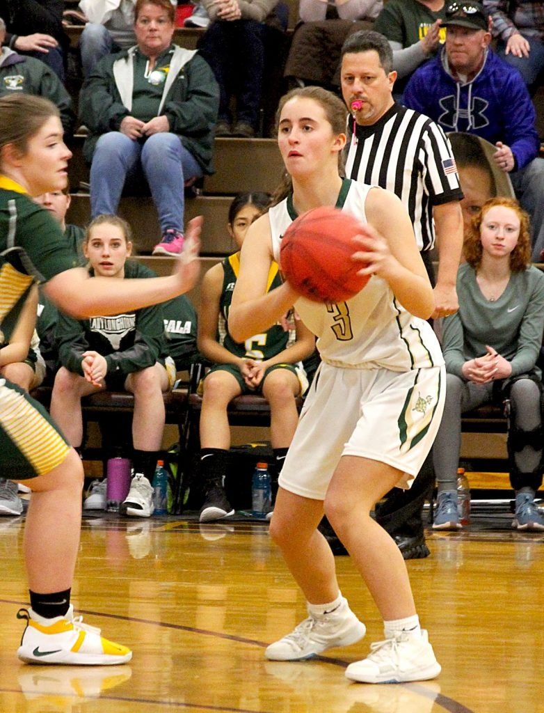 Incline's Elisabeth Stranzl looks to make a pass last year.