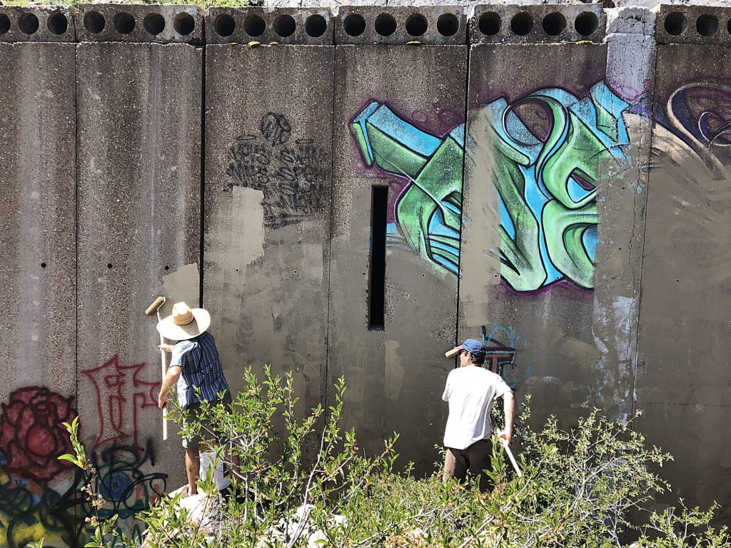 North Tahoe Climbers Coalition removes graffiti.